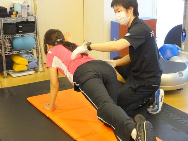 スタビライゼーショントレーニングは体の安定性を高めるトレーニングの事です。